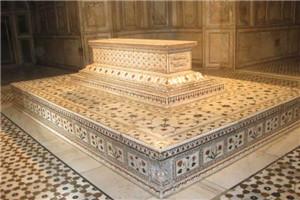 jehanggir's-tomb-2.jpg
