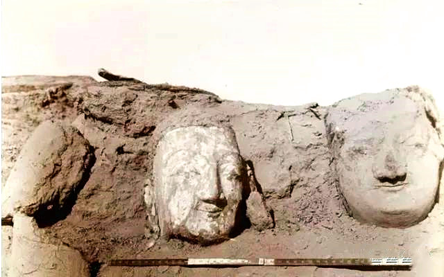 Clay statues of Buddha unearthed in Loulan.jpg