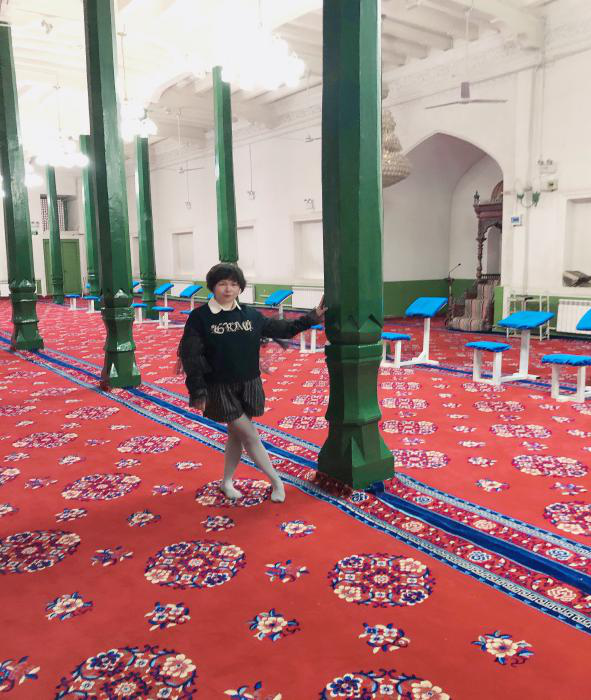 me-in-idgar-mosque.png