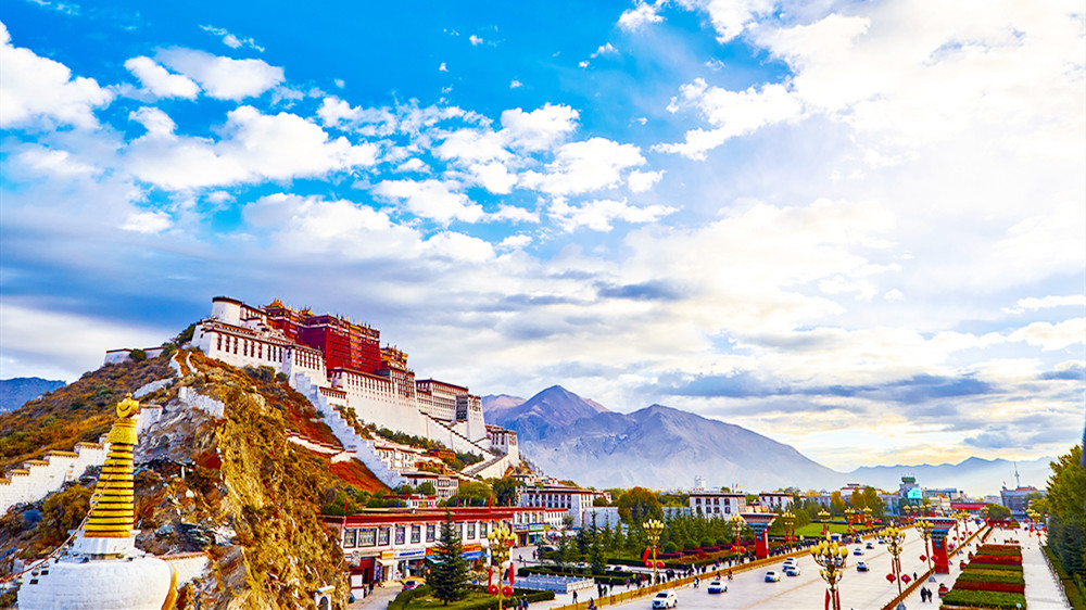15 Days Silk Road and Tibet Adventure