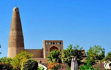 15 Days China Silk Road Tour from Kashgar to Chengdu