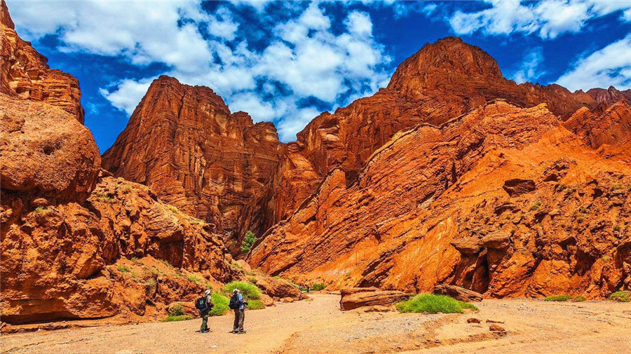 Tianshan grand canyon