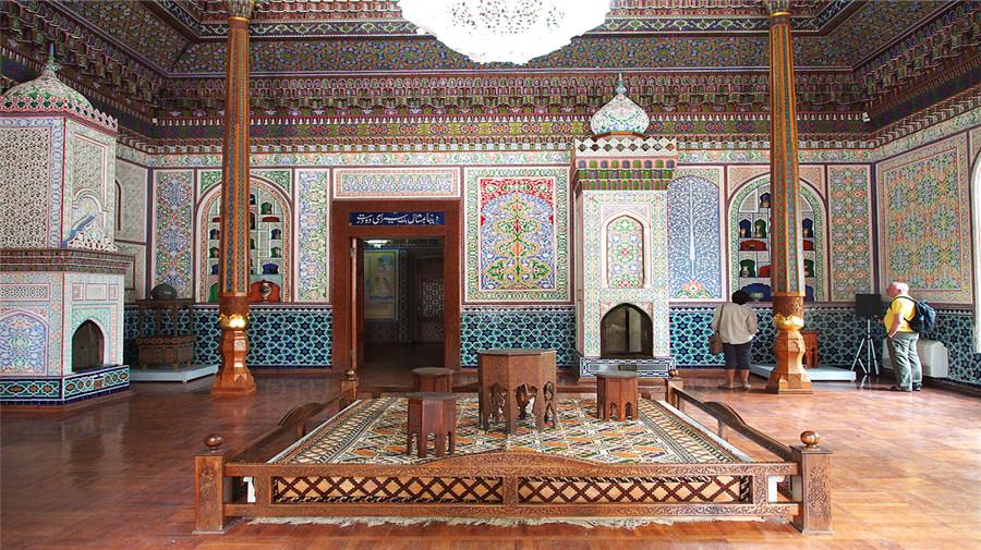 Museum Of Applied Arts If Uzbekistan.jpg