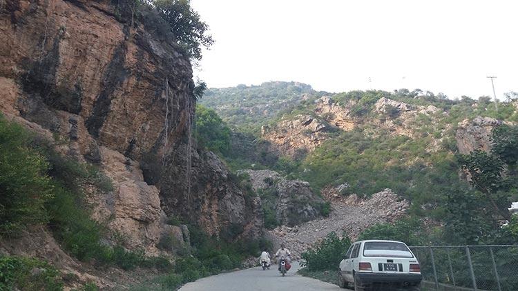 Shah Allah Ditta Buddhist Caves.jpg