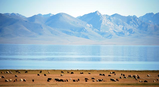 Son Kul Lake.jpg