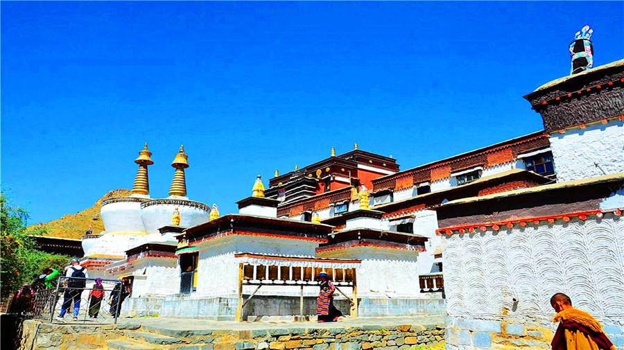 Tashi lhunpo monastery.jpg