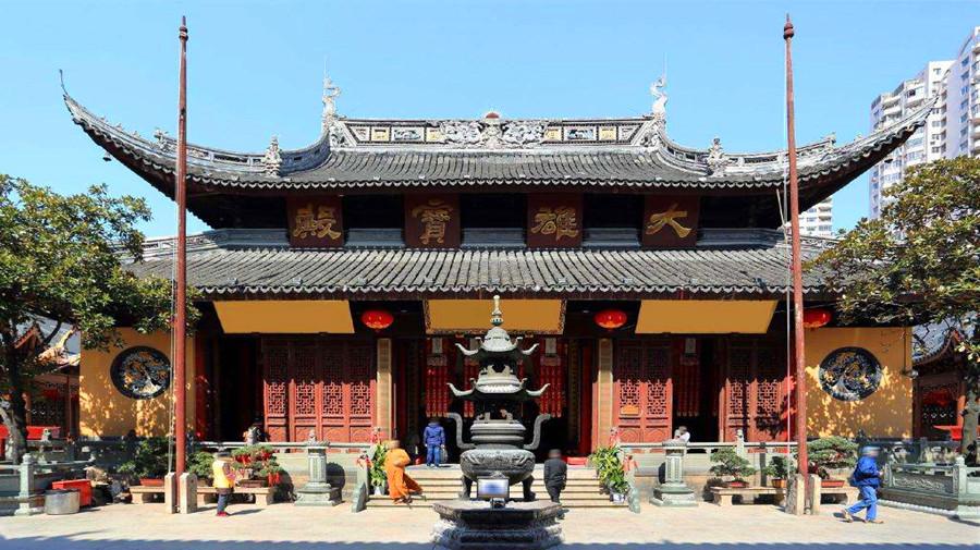 jade buddha Temple.jpg