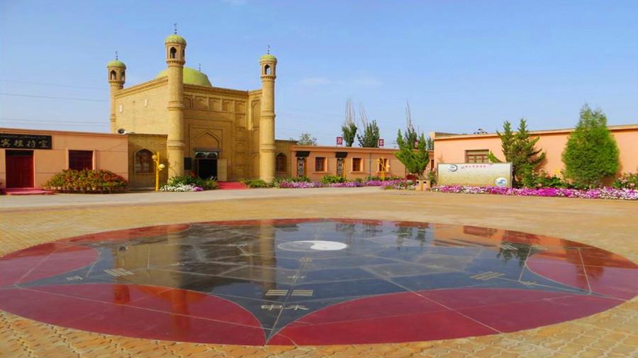 Kuqa Mosque.jpg