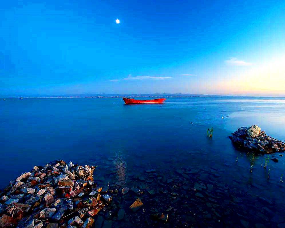 Bosten Lake.jpg