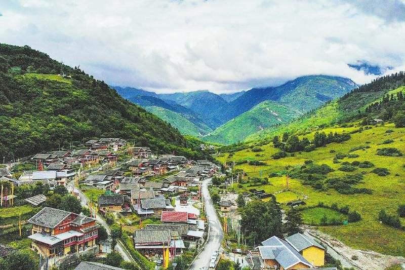 Jiuzhaigou Town.jpg