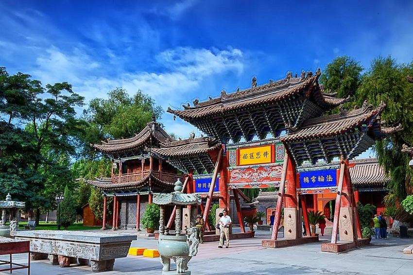 Giant Buddha Temple.jpg