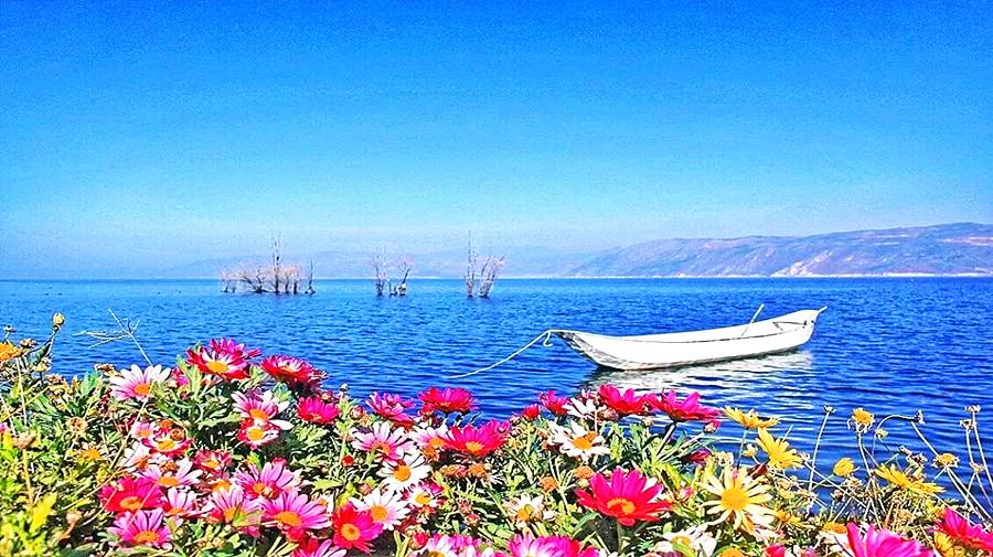 Erhai lake.jpg