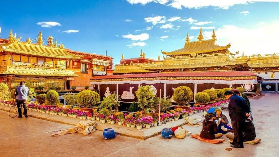 Jokhang Temple.jpg