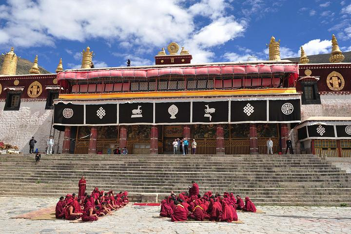 Sera-monastery.jpg